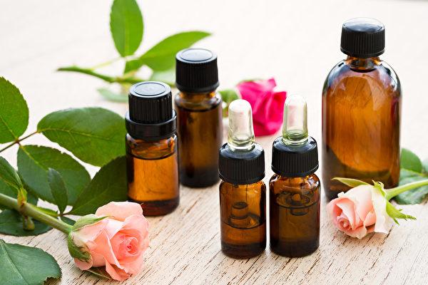 Aromatherapy essential oil Fotolia