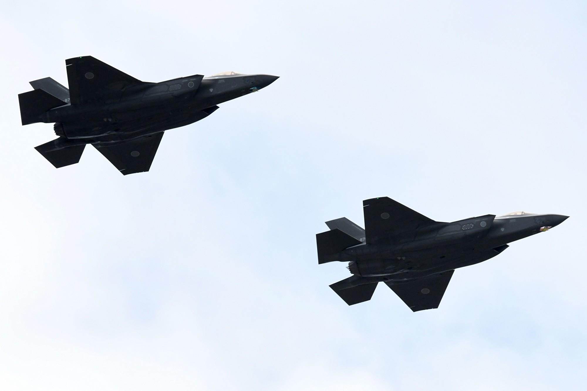 陸媒假新聞:俄圖-160轟炸機狠甩美F-35戰機