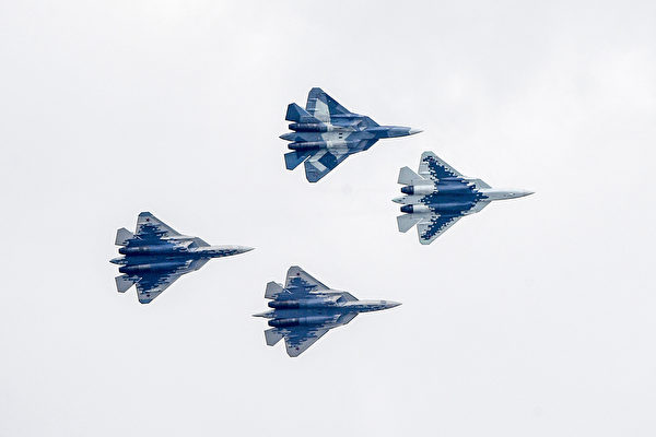 俄第五代战机Su-57首传坠毁 飞行员逃生