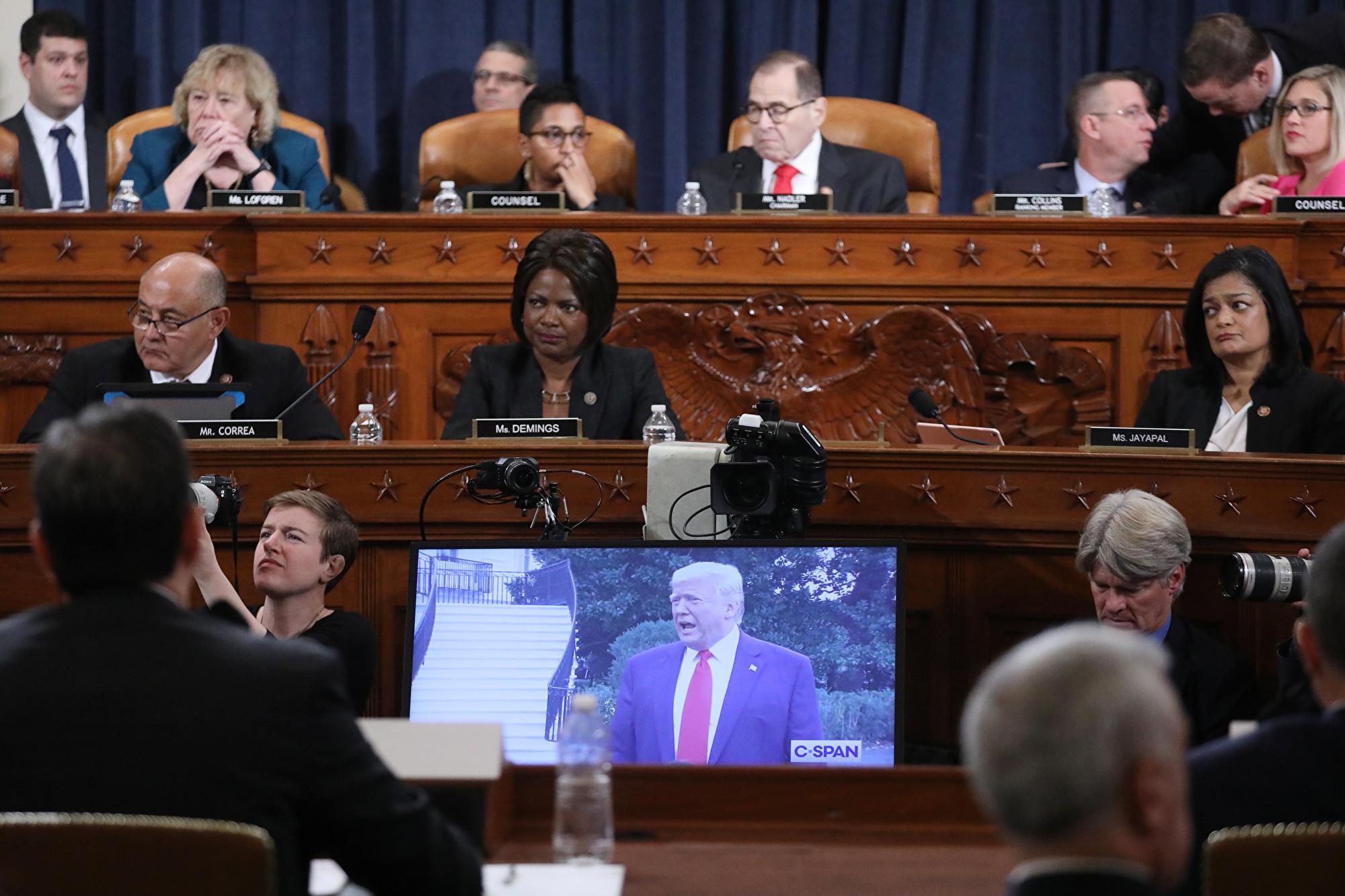 美眾院彈劾聽證 兩黨律師首次庭上爭鋒