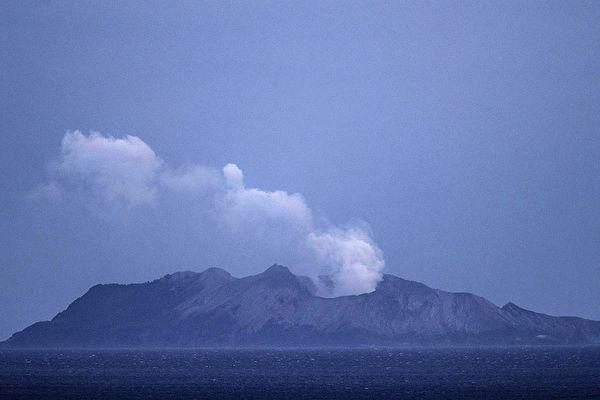 新西兰火山爆发死亡人数上升至8人