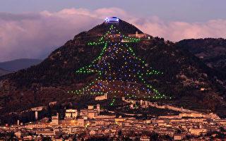 高750公尺 世界最大聖誕樹在意大利