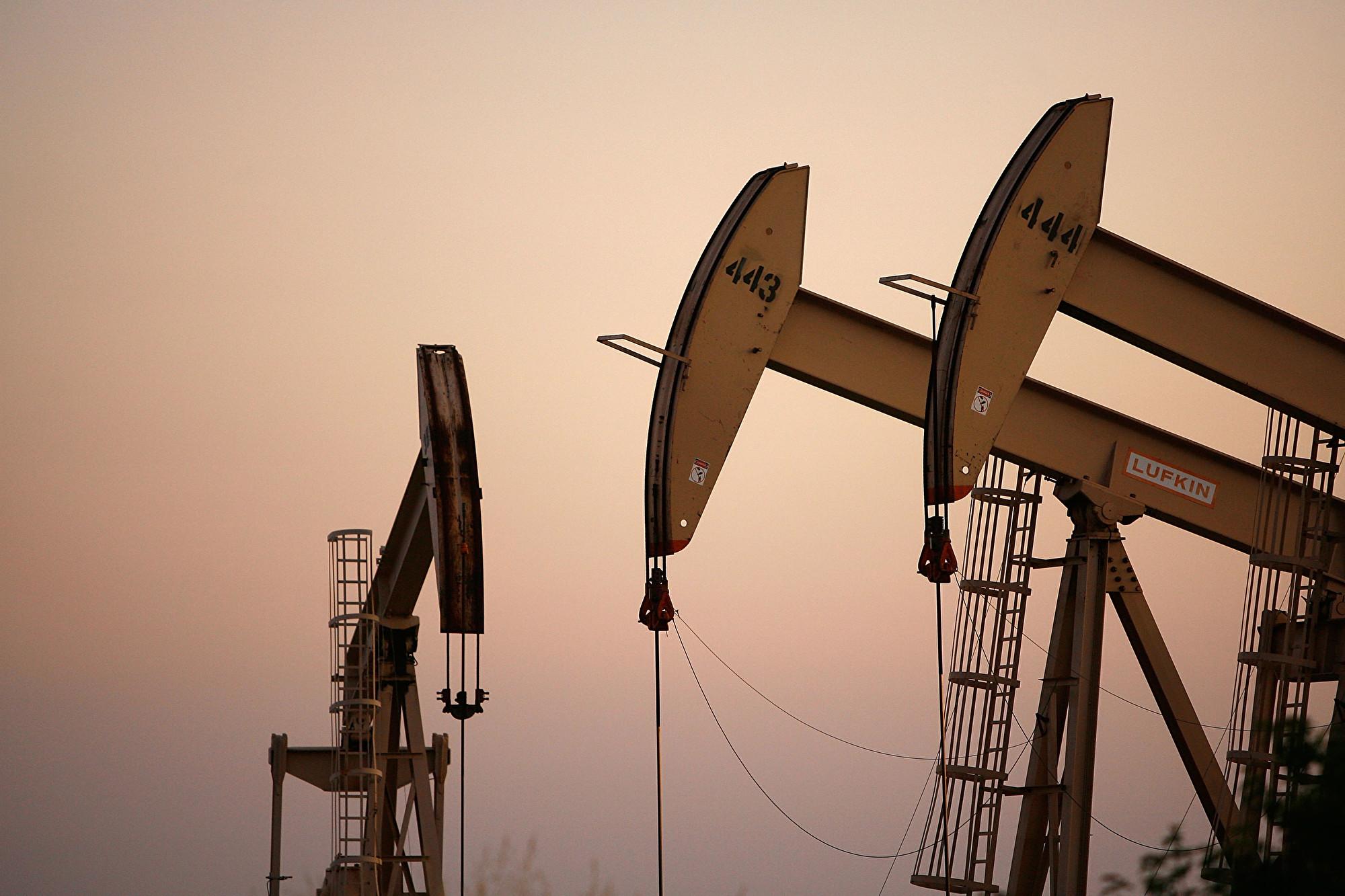 中共肺炎疫情衝擊致需求萎縮 國際油價再跌10%