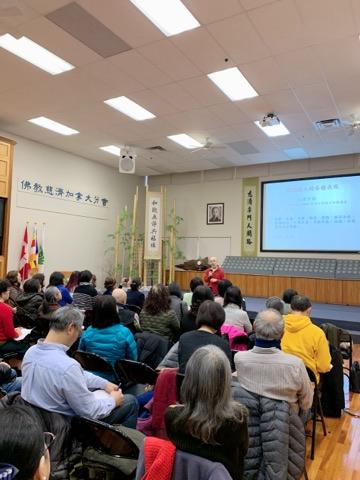 圖:台大溫校友會舉辦講座,許建立老師分享陪伴安寧病人的經驗與要訣。(台大溫哥華校友會提供)