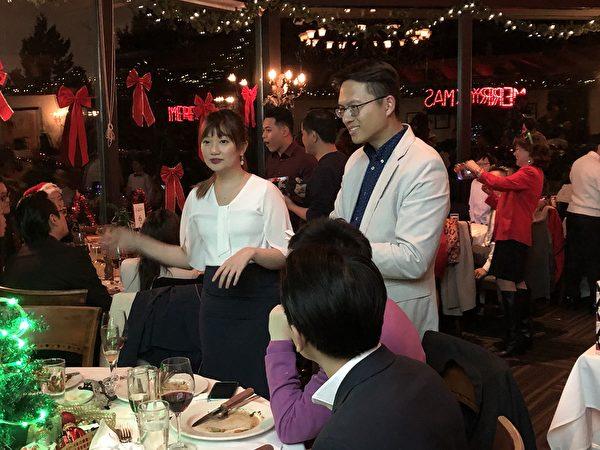 图:卑诗台湾商会举办圣诞派对,呈现温馨喜乐助人风格,受到来宾们的欢迎。(邱晨/大纪元)