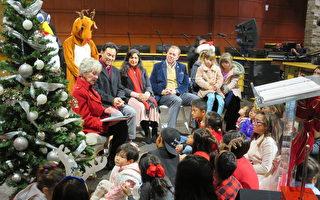 尔湾市府点亮圣诞树仪式 吸引各族裔民众