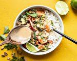 美食部落格Budget Bytes創始人貝絲·蒙塞爾,所分享的平日晚餐「香辣椰子炒蔬菜」。(貝絲·蒙塞爾提供)