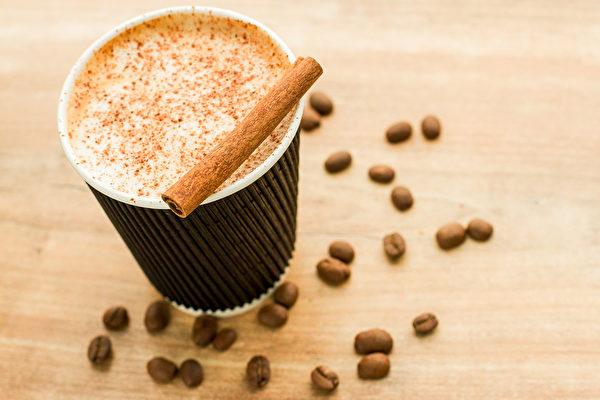 肉桂的香气十足,加进咖啡中能够增添味道层次。(Pixabay)