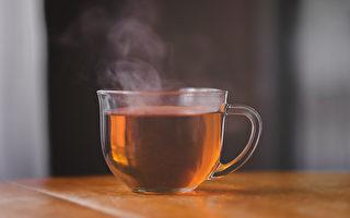 感冒熱飲服用不當可能傷肝,甚至引起急性肝衰竭。(Shutterstock)