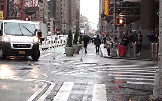 行人优先 纽约客运总站外人行道拓宽