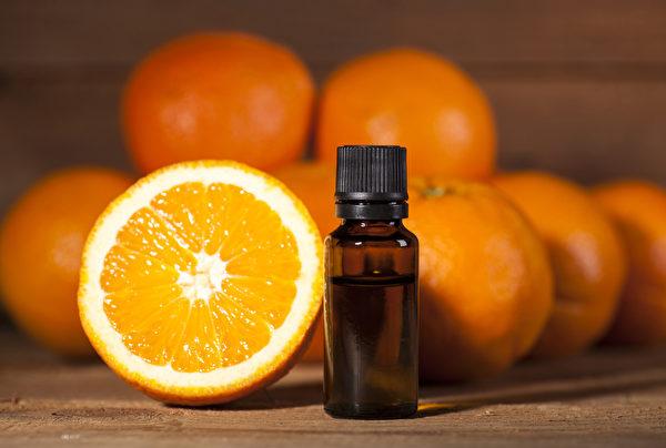 柑橘類精油有良好的提神效果,譬如甜橙香氣有激勵作用。(Shutterstock)