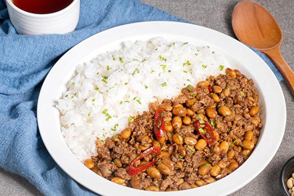 黃豆料理食譜: 下飯豆肉末。(行政院農糧署提供)