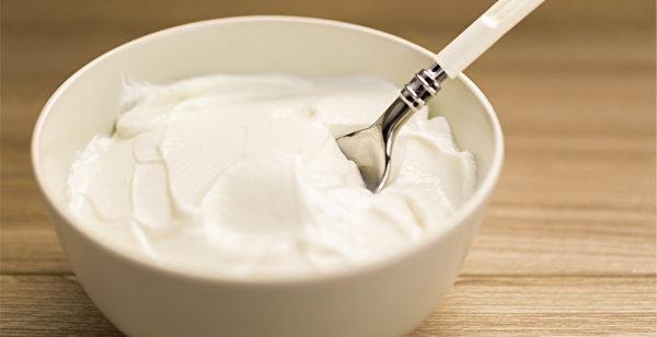 酸奶(yogurt,又譯優格)走進人們的飲食中,已有數千年的歷史了。(Shutterstock)