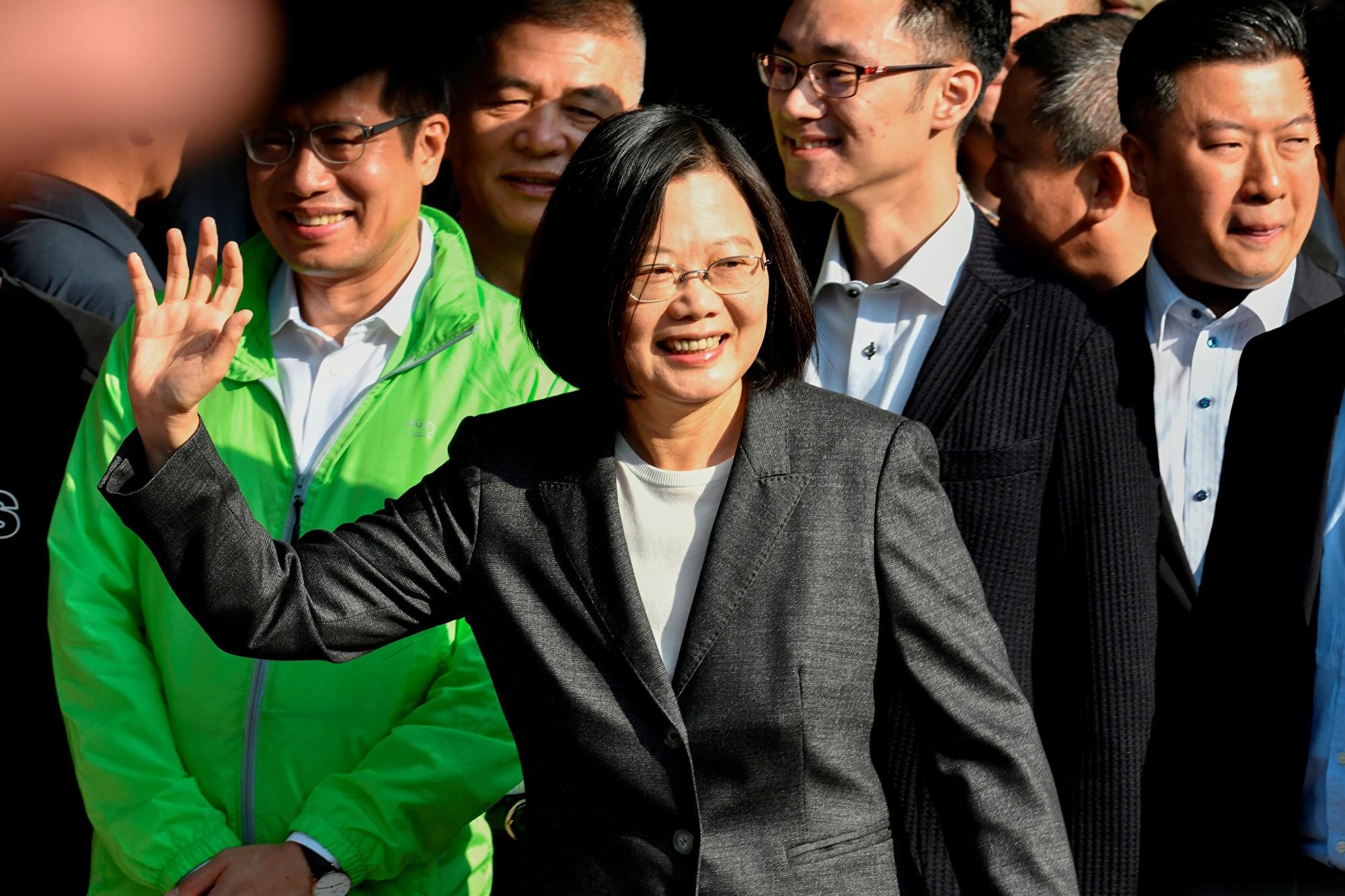 蔡英文破810萬票 發言人:民主海嘯勝利