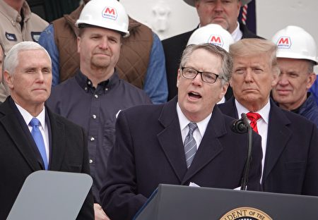 1月29日中午,美國總統特朗普在白宮簽署《美國-墨西哥-加拿大貿易協議》(USMCA),重塑北美貿易規則。圖為貿易代表萊特希澤講話。(亦凡/大紀元)