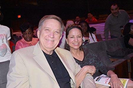 2020年1月26日晚,美國海軍職業醫學部門總監Mark Sebastian先生和太太Leslie Sebastian觀看了神韻北美藝術團在達拉斯AT&T演藝中心的精彩演出。(樂原/大紀元)