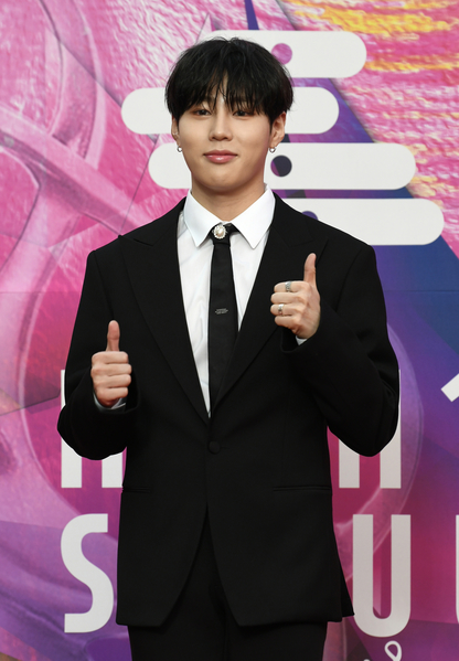 Ha Sung-woon attend 29th Seoul Music Awards