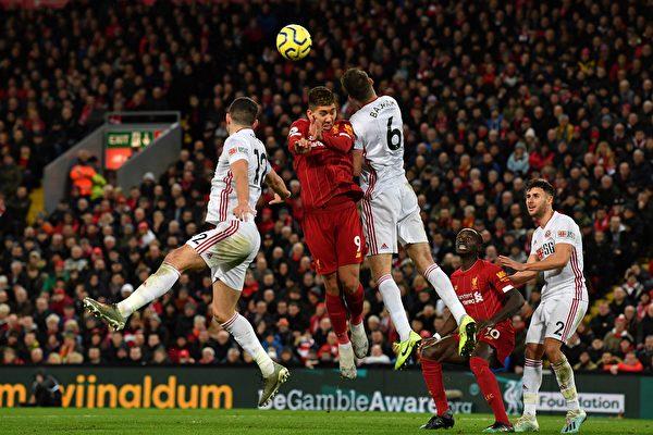 英超第21轮,利物浦主场2:0轻取谢菲尔德联