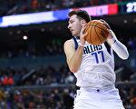 NBA:獨行俠新星東契奇三雙冠絕聯盟
