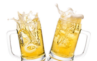 为了让丈夫戒酒 墨西哥女子在酒里加料