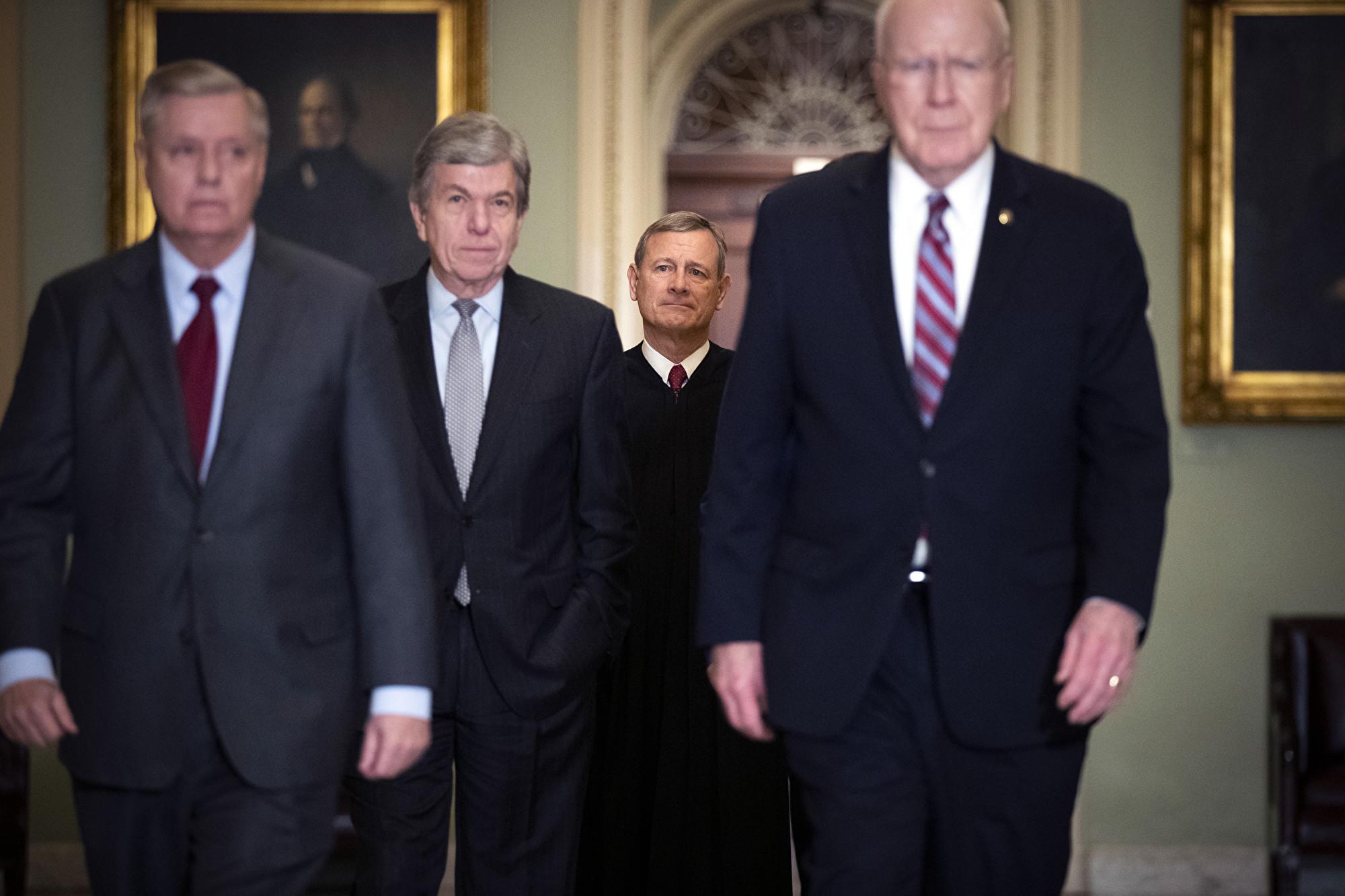 彈劾案參院開審 參議員宣誓維護司法公正