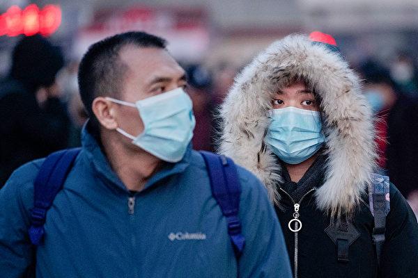 中國大陸武漢肺炎疫情持續擴散,台灣疾管署防疫醫師黃婉婷表示,武漢肺炎疫情可能持續性人傳人,且有社區傳染。圖為示意圖。(Kevin Frayer/Getty Images)