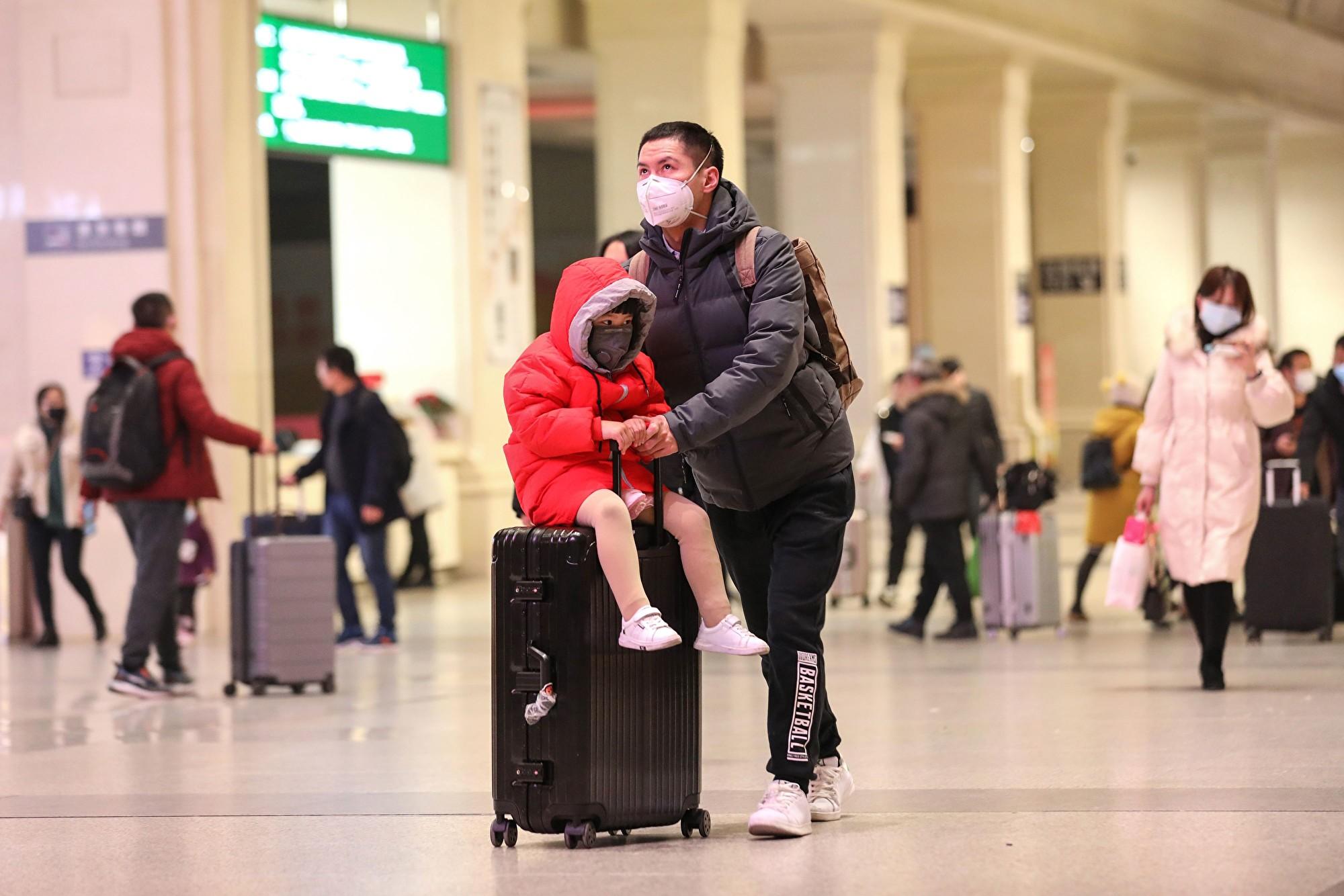 武漢疫情失控市民逃亡 低燒咳嗽者抵達法國