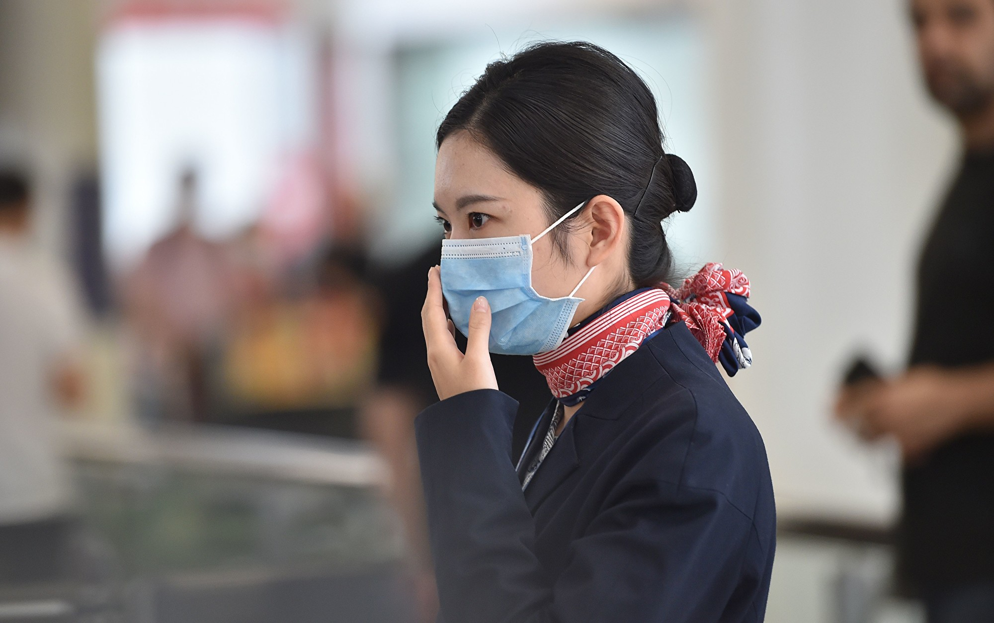 疫情期間退機票的數量巨大,甚至一家旅遊平台就收到數百萬退票申請。(PETER PARKS/AFP)