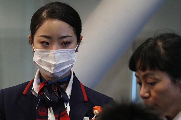 武汉女在机场吃药闯关 凸显体温检测漏洞