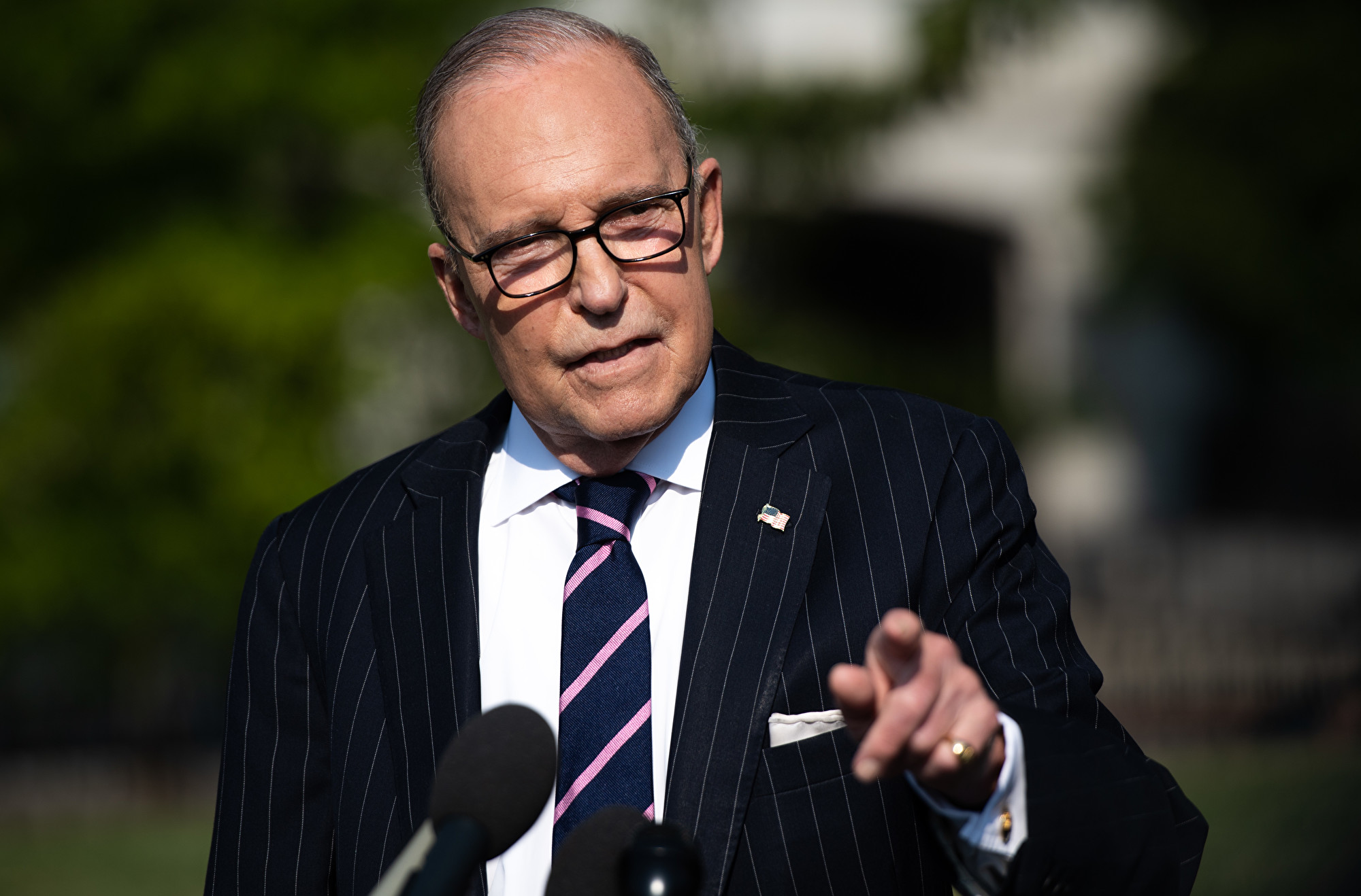 美國國家經濟委員會主任庫德洛2020年2月13日在白宮對記者說:「我們(原本)認為中國(中共)有更好的透明度,但事實看起來並非如此。」(SAUL LOEB/AFP)