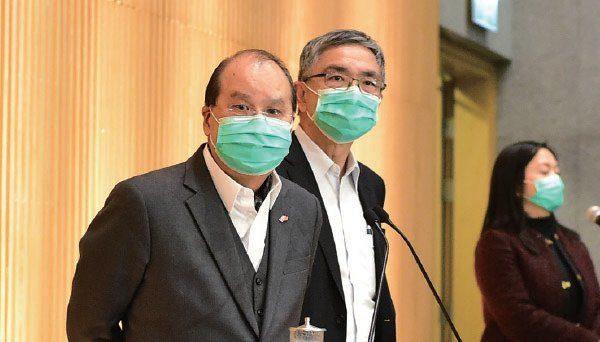 香港市民連日排隊搶購口罩