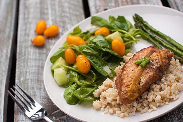 溝口徹認為,調節自律神經的飲食從限醣開始。(Shutterstock)