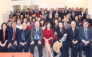 副州長霍楚訪華埠 為耆老講解2020州情咨文