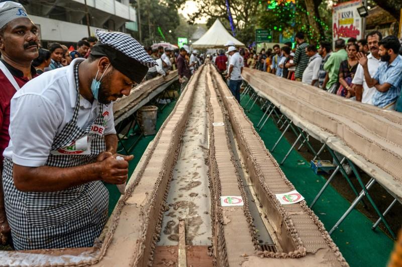 破健力士世界紀錄 印度出爐世界最長蛋糕