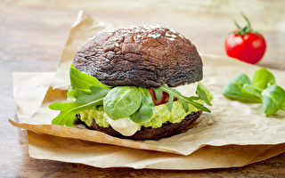 在家自制汉堡、汉堡排,有很多营养、热量低而口感好的替代品。(Shutterstock)