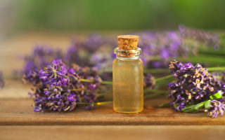 中医芳疗运用精油舒缓负面情绪,改善自律神经失调。(Shutterstock)