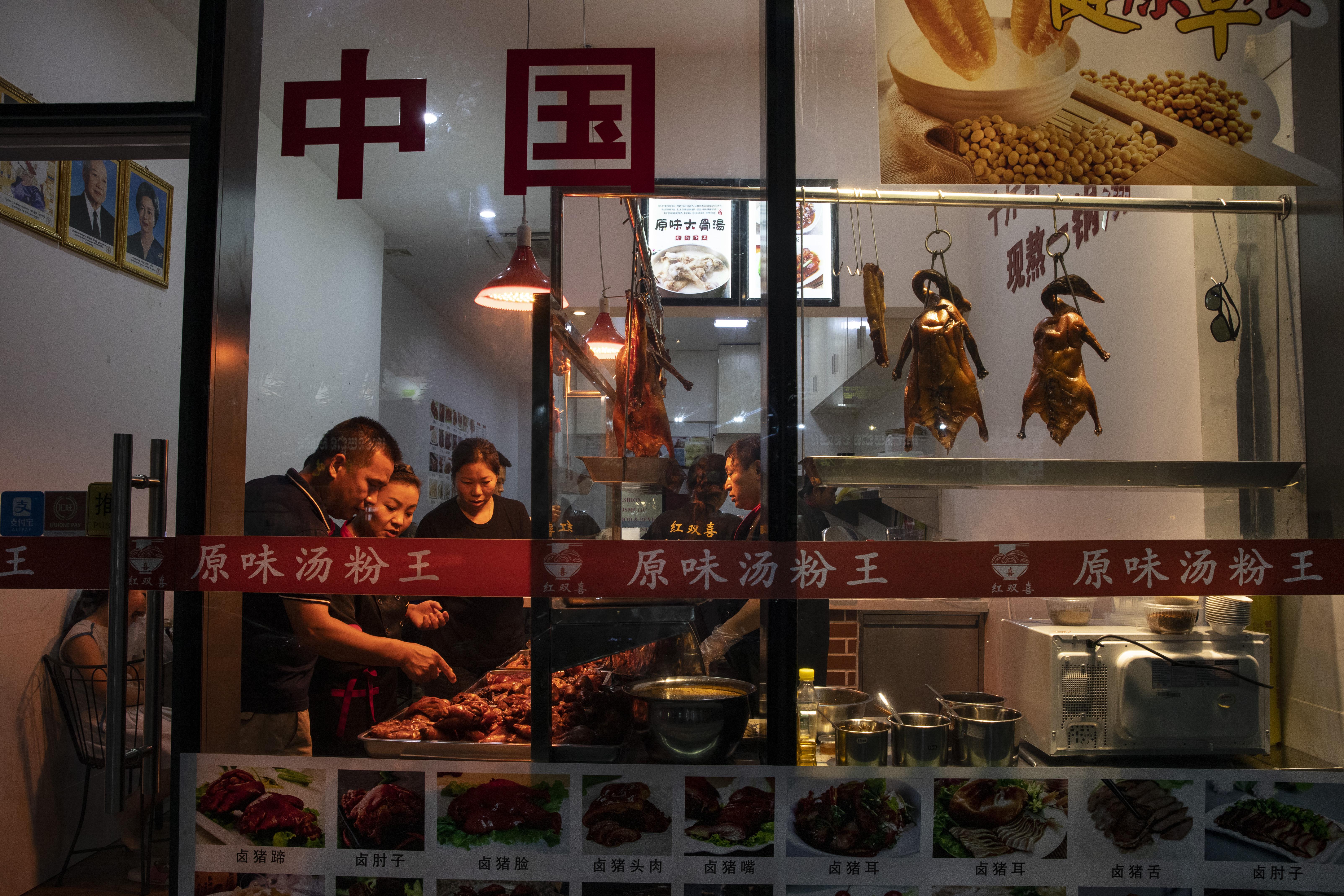 中共肺炎衝擊 大陸餐飲旅遊業恐難撐3個月