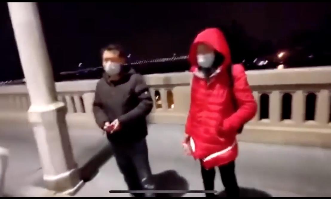 影片:夫妻二人被困武漢 流浪街頭 撿飯吃