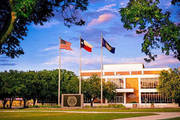 【快讯】德州农工大学宿舍传枪声 2死1伤