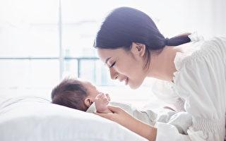 【爸妈必修课】抱好婴儿 避免弄伤孩子脊椎