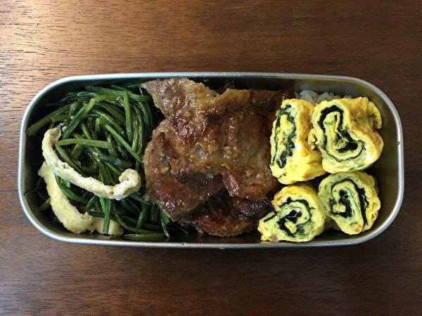 發酵美食之一:鹽麴蜂蜜豬排。(商周出版提供)