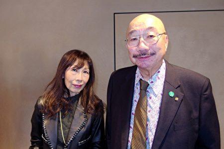 洛和會理事長矢野一郎醫學博士夫婦2月1日下午,觀看了美國神韻紐約藝術團在京都會館(ROHM Theatre Kyoto)舉行的演出。(張本真/大紀元)