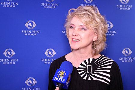 2020年2月27日下午,神韻紐約藝術團在拉斯維加斯舉行第二場演出,小企業顧問Karen Eastman女士讚佩:「演出恢宏壯觀,啟迪人心。」(新唐人電視台)