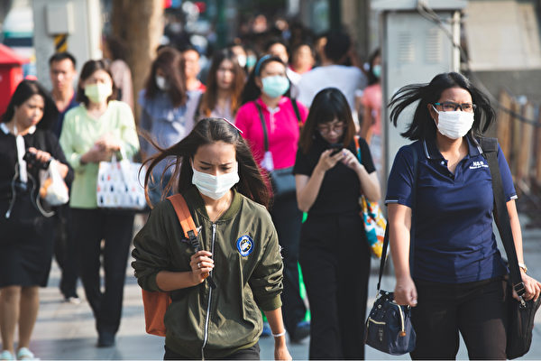 最新論文指出,新型冠狀病毒(中共病毒)的潛伏期最長可達24天,且逾半數的病人在就診時沒有發燒症狀。(Shutterstock)