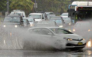 悉尼地鐵隧道雨水沒至站台 恢復服務需數日