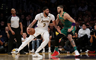 NBA:湖人险胜绿军 获五连胜 继续补强