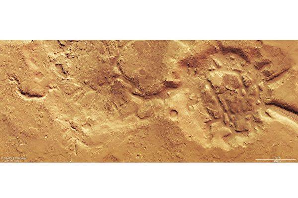 新照片:火星南北半球地貌完全不同