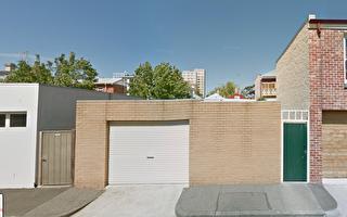 墨尔本富人区车库欲售40万 大量买家咨询
