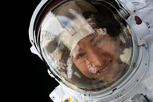 科赫攝於國際太空站。(NASA)