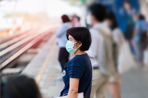 恐慌、紧张、怨愤、歧视等负面情绪会降低身体的免疫力。(Shutterstock)